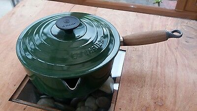 Le Creuset cast iron pan. Green with lid 20cm
