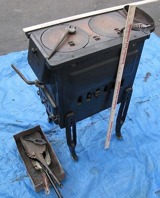 Windsor 35-88 Cast Iron stove L.A.Altmoff Corp. Chcago IL. 2 Burner USED Old