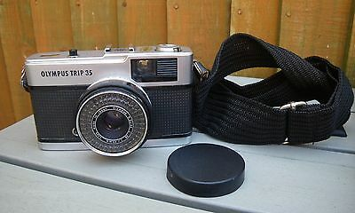 Vintage 'olympus Trip 35'  35Mm Camera~With Strap ~ Working Condition