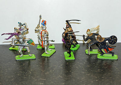Britains Deetail Knights and Saracens toy soldiers x 8