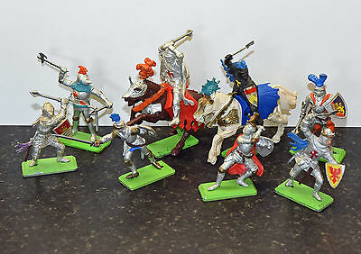 Britains Deetail Knights toy soldiers - 2 mounted