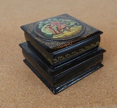 SMALL VINTAGE RUSSIAN PAPIER MACHE HAND PAINTED SIGNED 2 Tier TRINKET BOX