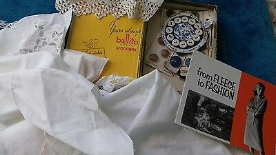 Small lot of vintage lace doilies and buttons