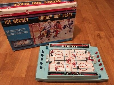 Radio Shack Classic 80's Ice Hockey Battery Operated Game Tested & Working