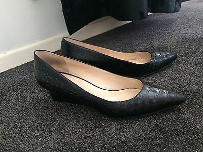 Nine West black croc leather pointy wedge heels size 8