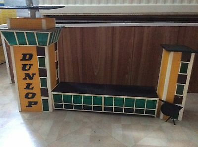 SCALEXTRIC RARE CONTROL TOWER AND CROSSWALK C234 VERY RARE GOOD CONDiTION