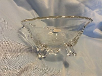 "Vtg CORNFLOWER 3-toed BOWL Label 6"" across thicker glass 3-10 petal flowers"