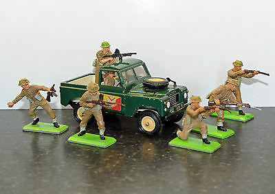Briatins deetail infantry toy soldiers and SWB Landrover