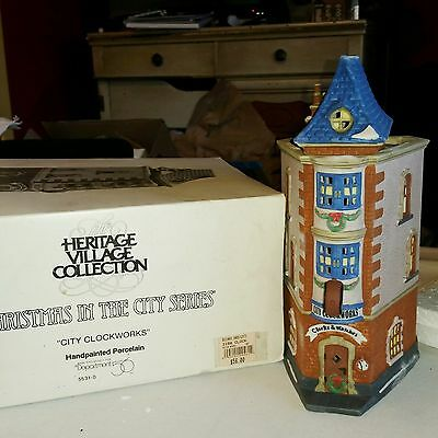 DEPT 56 CITY CLOCKWORKS Christmas in the City MINT CONDITION #55313 retired 1992