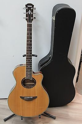 2014 Yamaha APX700II Acoustic Electric Guitar - Natural w/hard case