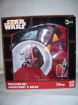 New In Box Disney Star Wars mealtime set plate,bowl,& cup set