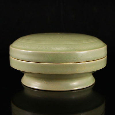 Chinese Porcelain Celadon Lidded Song  Dynasty