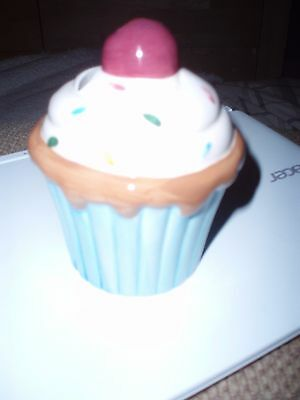 cup cake money bank g81  area