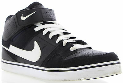 Men's NIKE Black And White Athletic Shoes Size 11.5