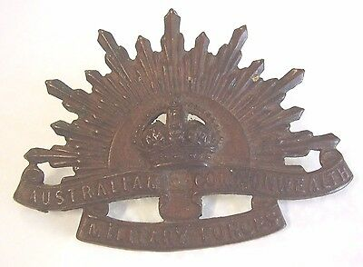 WW1 WW2 Rising Sun Hat Cap Badge Made By Stokes & Sons Melbourne Anzacs
