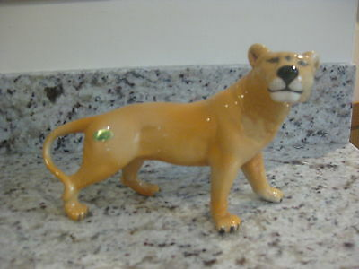 Beswick Lion Lioness, model number 2097, Perfect condition