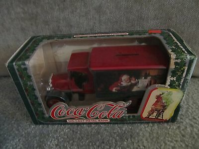 Nib Christmas Coca-Cola Die-Cast Metal Bank Santa 1925 Kenworth Delivery Truck