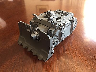 Warhammer 40k Space Marine Vindicator Tank