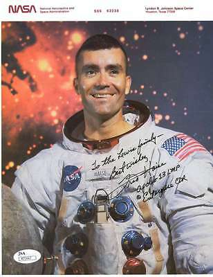 FRED HAISE JSA COA HAND SIGNED 8x10 PHOTO AUTHENTICATED AUTOGRAPH