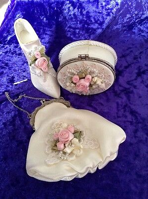 A set of 3 miniature box, bag and shoe.