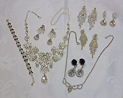 Job Lot of 8 x Pieces of Diamante Costume Jewellery  (LY12)