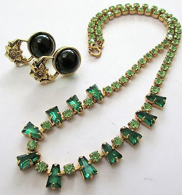 Beautiful vintage/Deco gold metal & emerald paste necklace + earrings