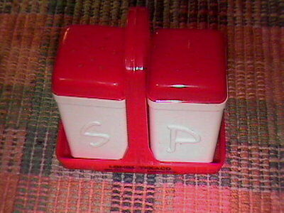 50S Advertising Lings Texaco Service Station Red/white Salt And Pepper Shaker Wi