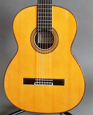 Kohno Pro-R 1992 Classical Guitar & Case Worldwide Shipping Sakurai Japan