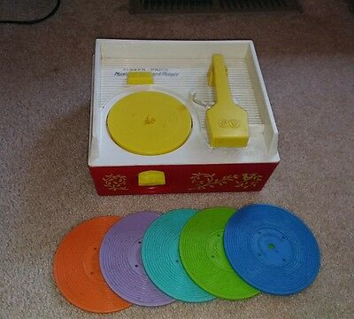 Vintage 1971 Fisher Price Music Box Record Player with 5 Records #995