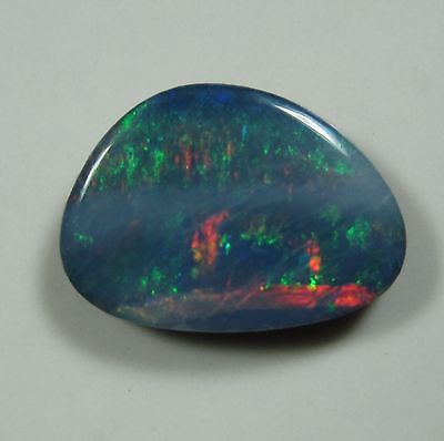 AUSTRALIAN OPAL RED BLUE GREEN 0.96 Ct DOUBLET TOP FIRE QUALITY NATURAL GEMSTONE