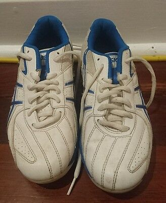 Asics youths football boots