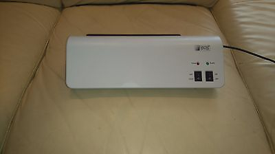 Laminator United Office A4 Hot n Cold. White and black.  Pouches inc Home use.