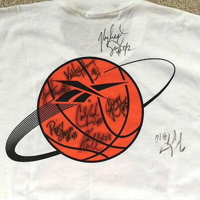 Connecticut Girls Basketball Camp T-Shirt signed by 1997 UConn Womens team