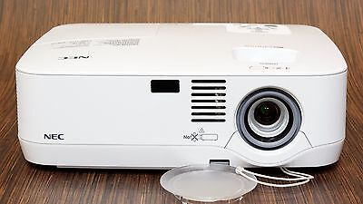 Nec Np500 3000 Lumen Xga Hd Lcd Network Gaming Movie Projector - Very Low Use