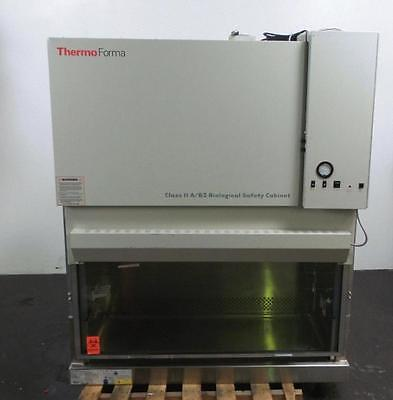 Thermo Scientific 1284 Type A/B3 Biological Safety Fume Hood