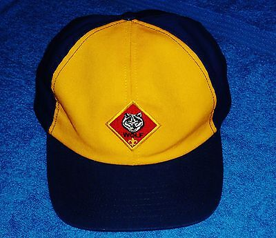 BSA BOY SCOUTS CUB SCOUTS WOLF Snapback Ball Cap Hat size ADULT M/L NICE CLEAN