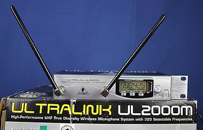 Behringer Ultralink US2000M  Wireless Microphone System with 320 Frequencies