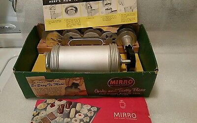 vintage mirro cooky and pastry press in box