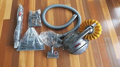 Dyson DC54 Multifloor bagless Vacuum Cleaner machine with brand new accessories