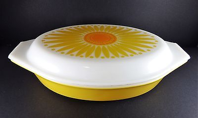 Vintage Collectable Pyrex Ovenware Divided Dish SUNFLOWER Pattern 1.5 Quart