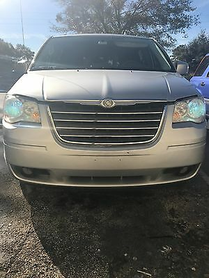 2010 Chrysler Town & Country  Chrysler Town and country Touring 2010 3.8 MOTOR 6 Cylinder