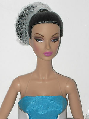 Fashion Royalty FR2 sz doll NRFB Victoire Roux La Grande Seduction W club BOD***