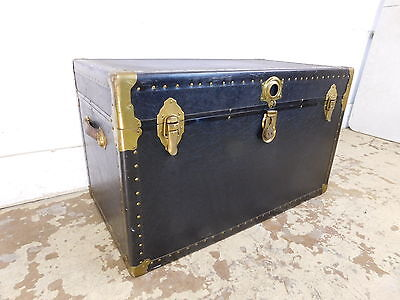 """MINTY Antique Flat Top Steamer Trunk w Tray Bonded Luggage Coffee Table 36"""" Wide"""
