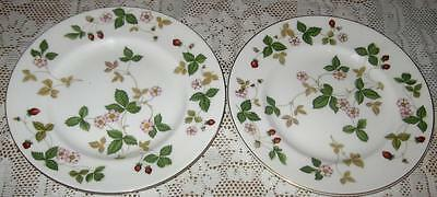 Wedgwood Wild Strawberry - Salad / Luncheon Plates (2)