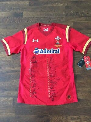 2016/2017 Welsh Rugby Union Limited Edition Signed Short, national Squad UA