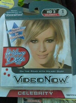 Hasbro 76966 Videonow Personal Music Video Disc: Hilary Duff: On The Road