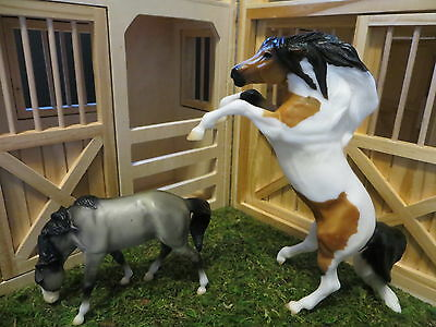 Breyer Walmart Mustangs Hongvi and Hinto #750208