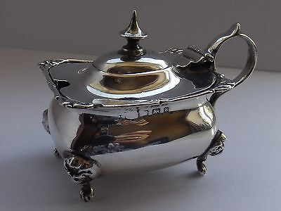 Solid Silver Mustard Pot Lion Face Feet 1901 Weight 65 Grams