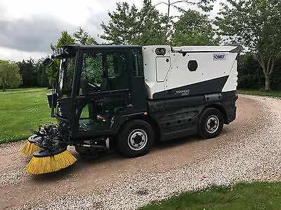 Schmidt Swingo 200+ Road Sweeper / 2011 With Pressure Washer + Air Con