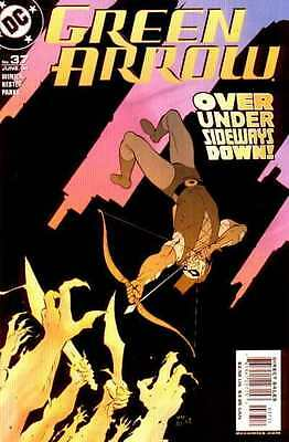 Green Arrow (2001 series) #37 in Very Fine + condition. FREE bag/board